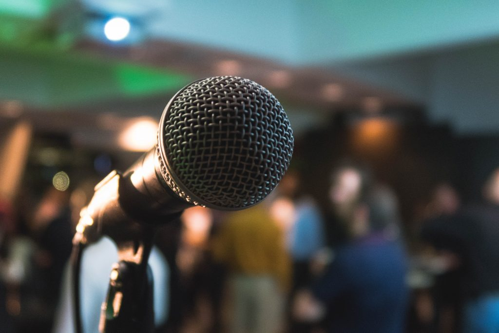 action-clarity-microphone-speaking