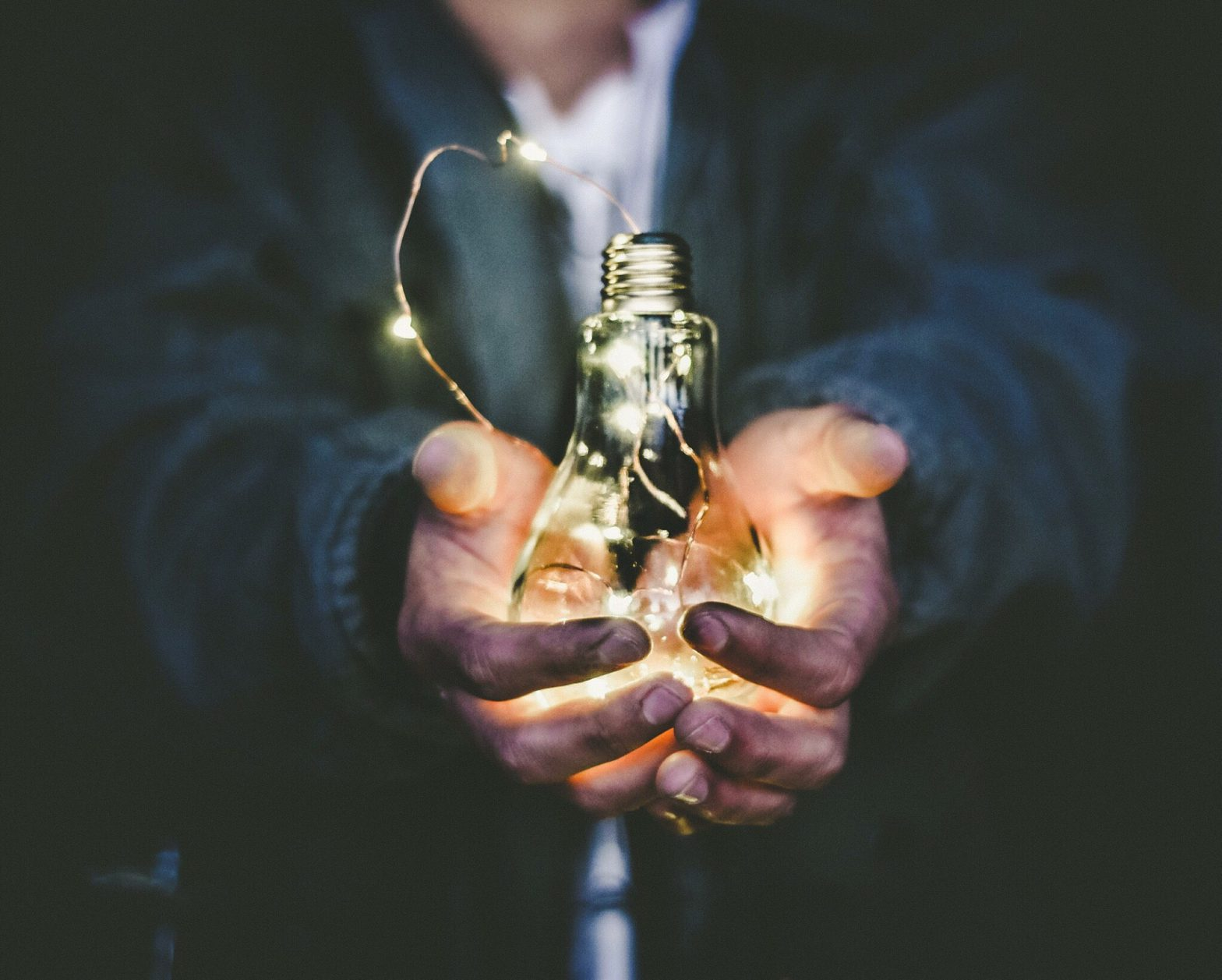 lightbulb-persuasion-presentation